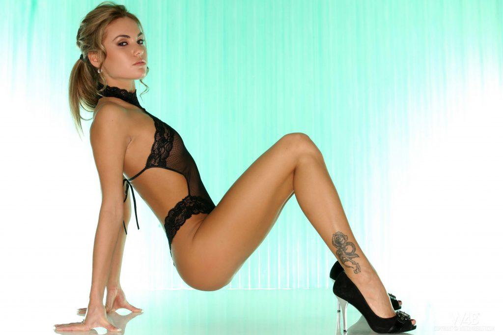 cheap London escorts with beautiful legs